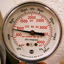 Đồng hồ đo áp suất gas điều hòa đơn vị psi