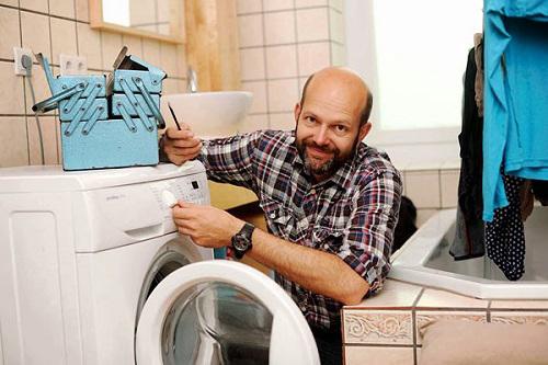 Sử máy giặt Hanel