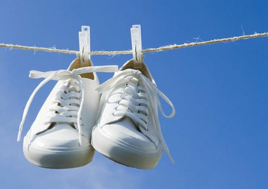 Mẹo giặt giày bằng máy giặt không sợ bị hỏng giày