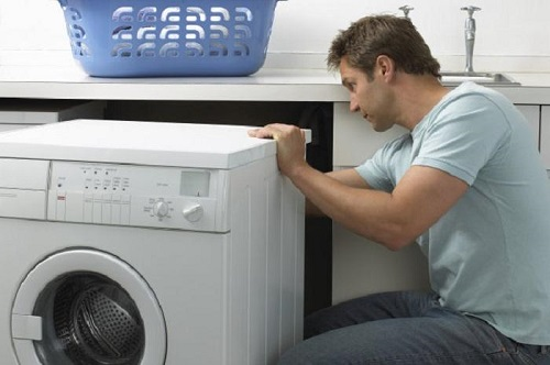 máy giặt electrolux chảy nước