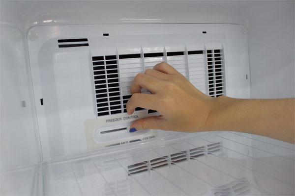 Vì sao tủ lạnh panasonic kêu to và cách khắc phục