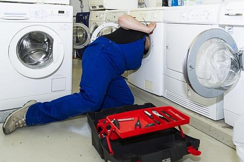 cách vệ sinh máy giặt electrolux