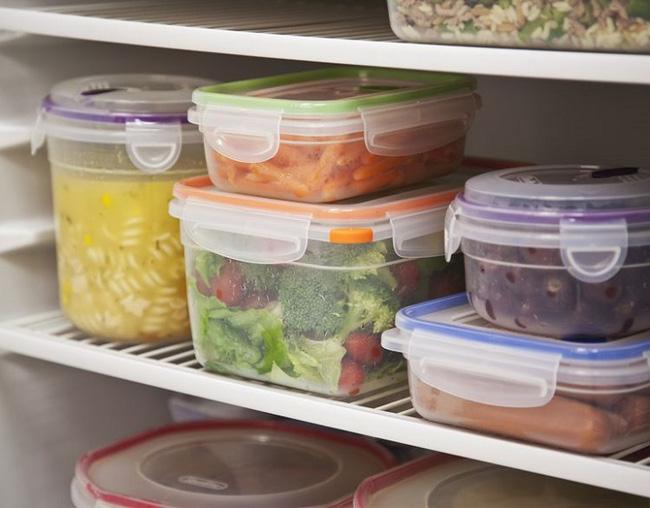 Chỉ để thức ăn nguội vào bên trong tủ lạnh