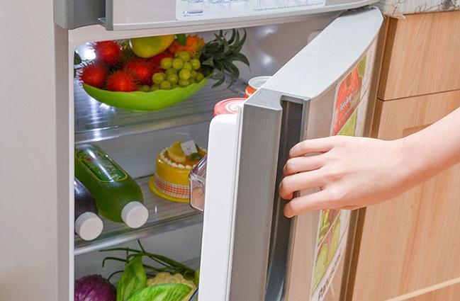Không nên mở cửa tủ lạnh quá nhiều lần trong ngày