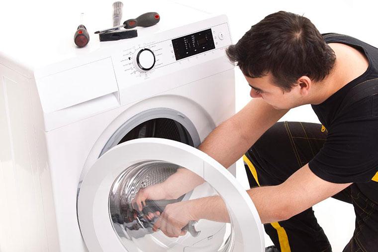 Nên thường xuyên vệ sinh máy giặt