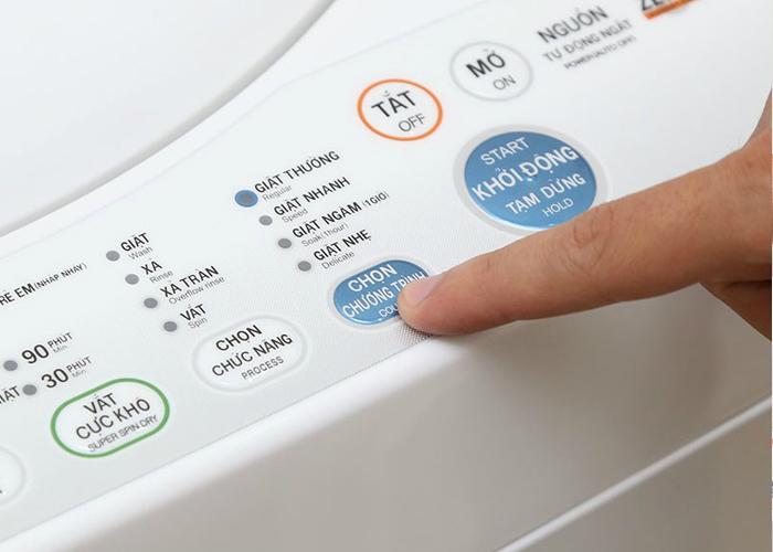 bảng điều khiển máy giặt nóng ran khi hoạt động