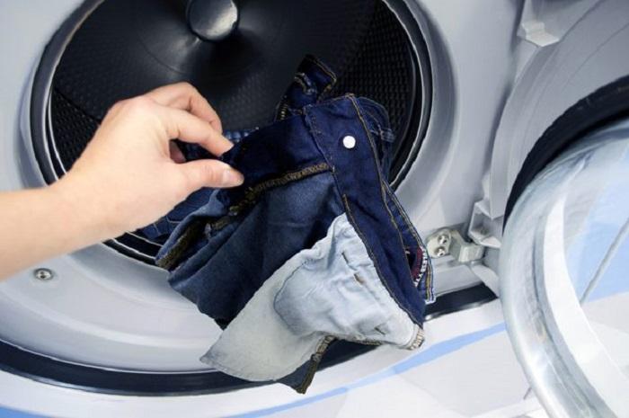 Lưu ý khi giặt đồ jeans bằng máy giặt