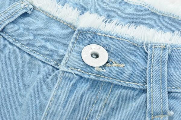 lưu ý móc khóa quần áo khi giặt