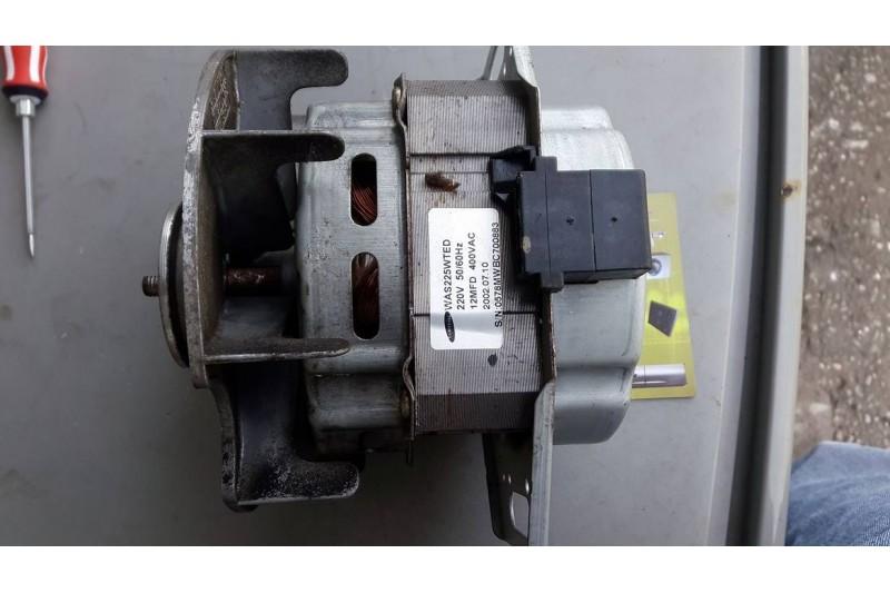 Lỗi motơ máy giặt bị đứt hoặc hư hỏng