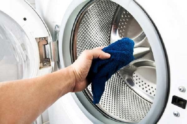 Vệ sinh máy giặt mùa mưa